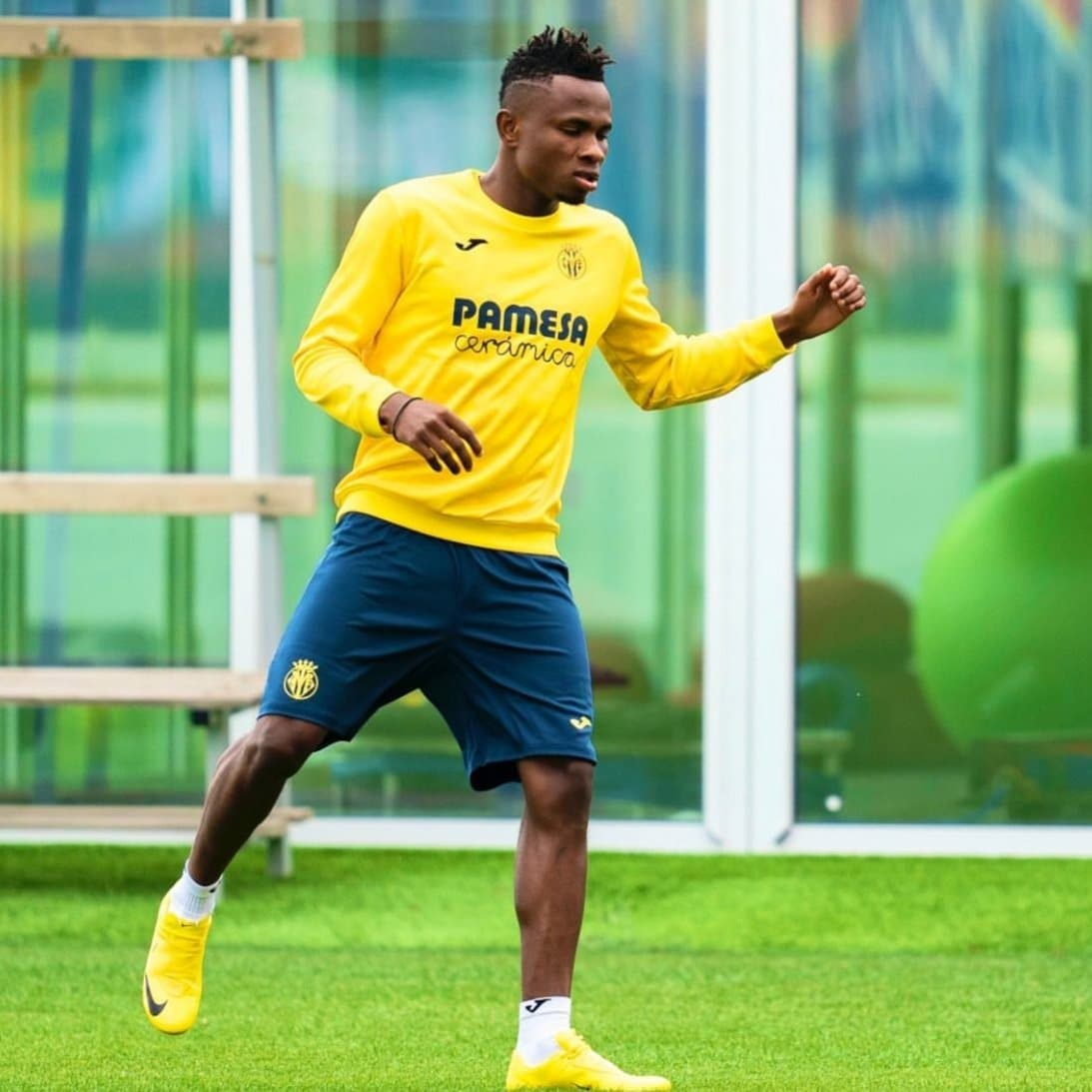 Villarreal Boss Emery Provides Update On Injured Chukwueze