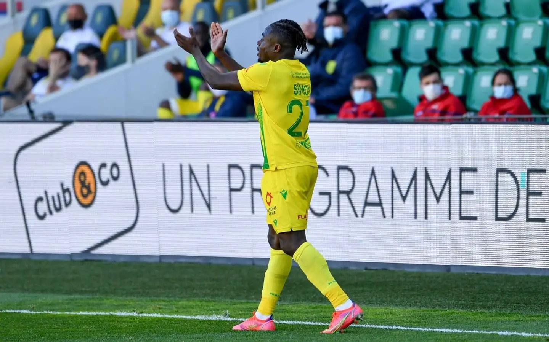 Simon Celebrates Nantes Relegation Escape