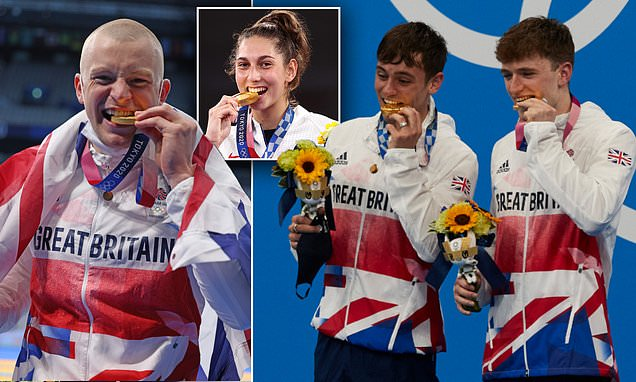 'Stop Biting Your Medals' – Tokyo Olympic Organisers Tell Athletes