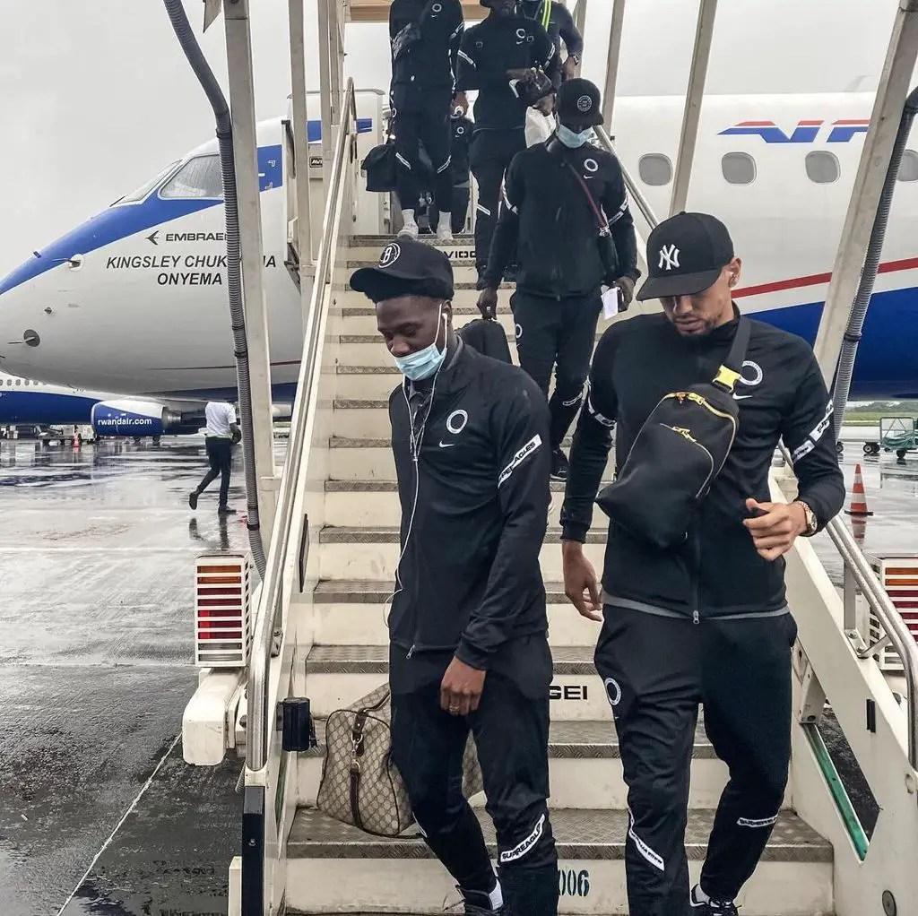 Super Eagles Land In Douala, Train At Stade Omnisport