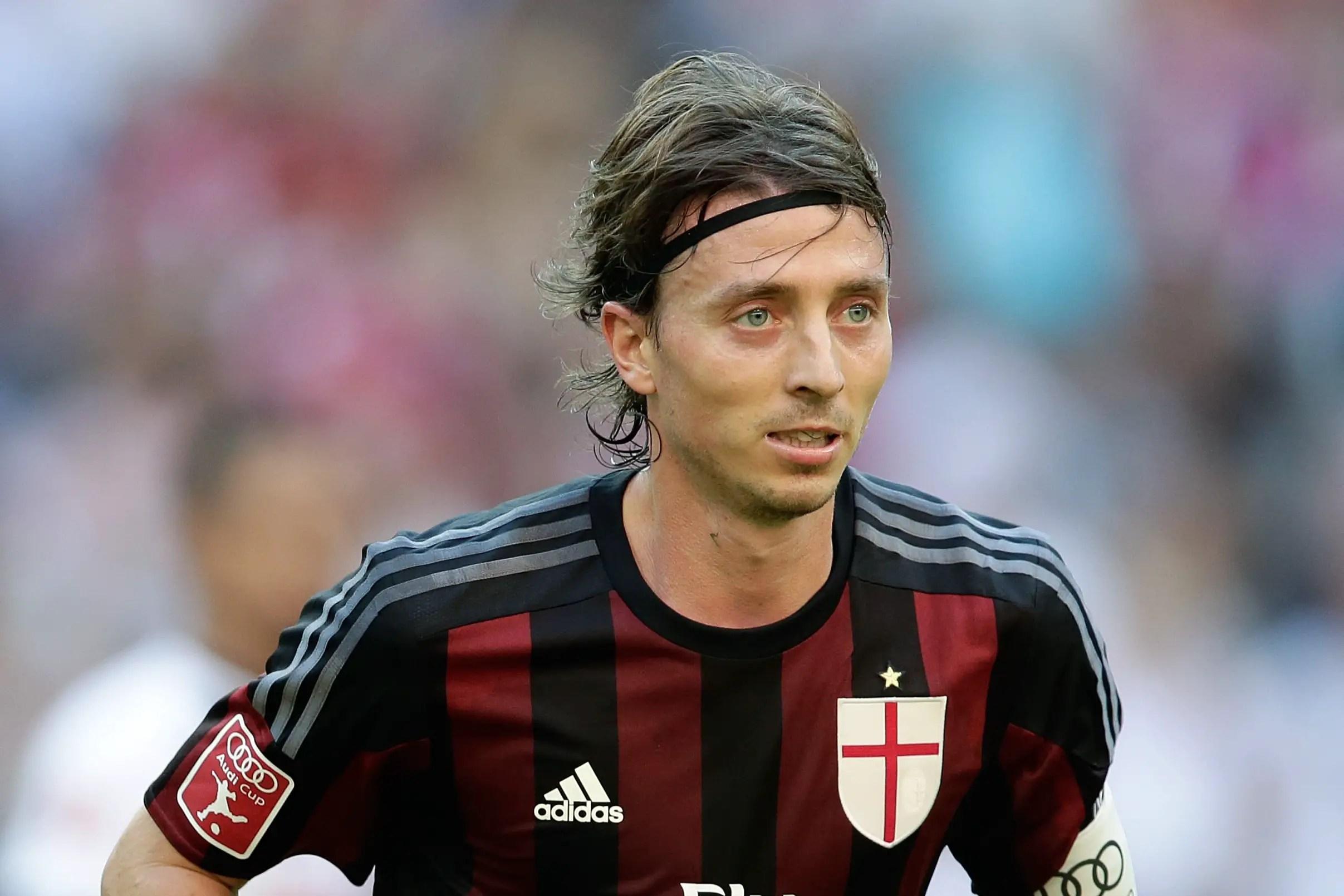 Montolivo Tips AC Milan, Inter Milan, Napoli For Scudetto Title