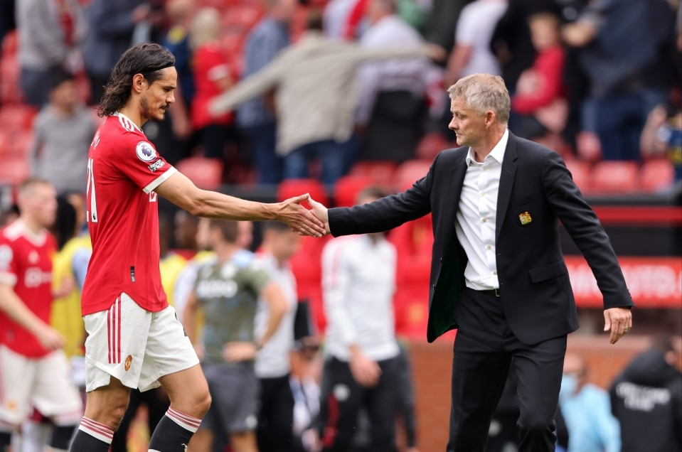 Ex-Chelsea Star Urges Cavani To Leave Man United In January