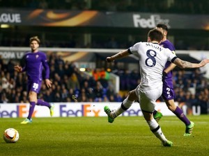 Tottenham, Dortmund Cruise Into Europa League R16