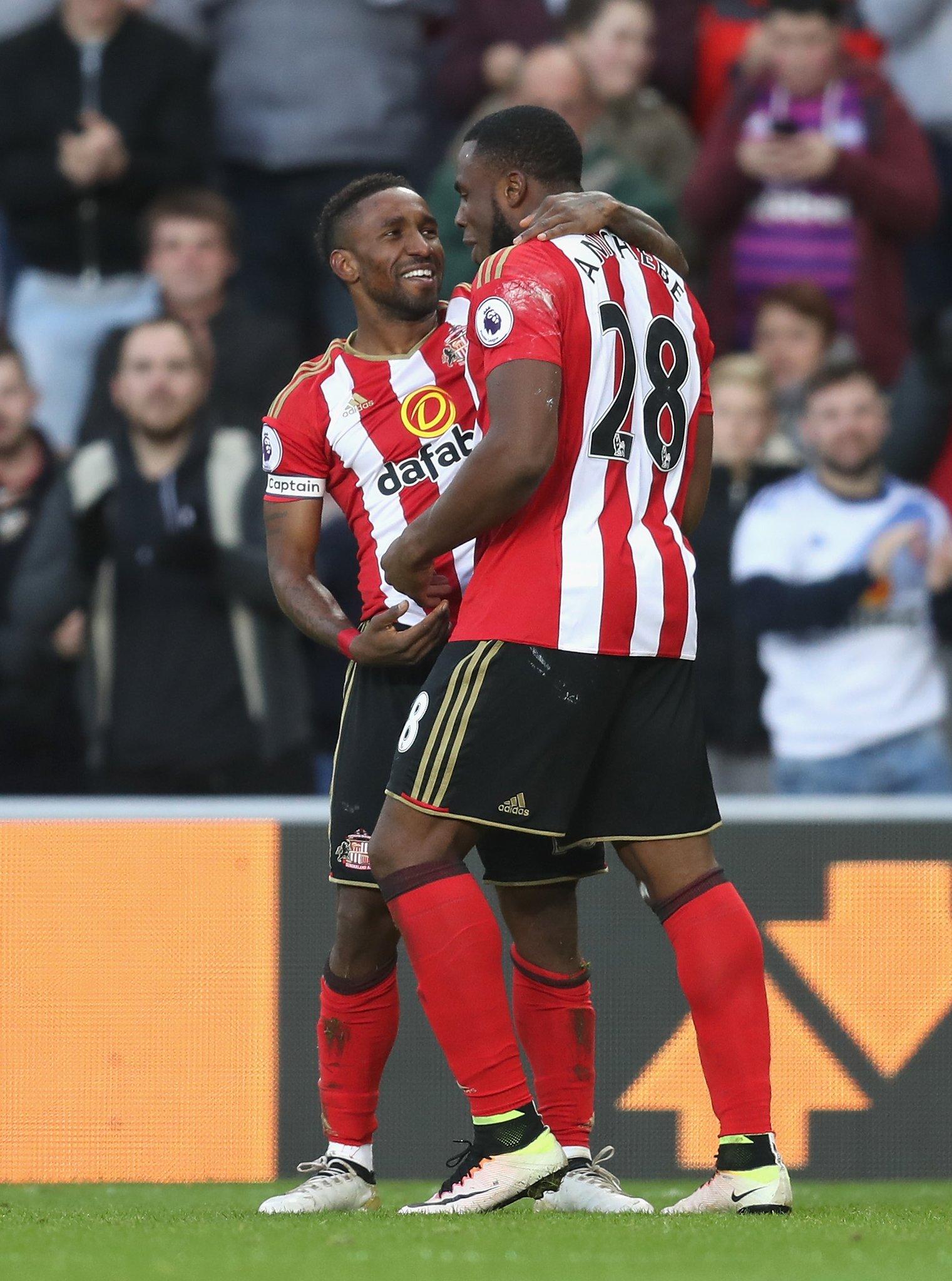 Moyes Praises Anichebe, Defoe; Eyes Liverpool Shock