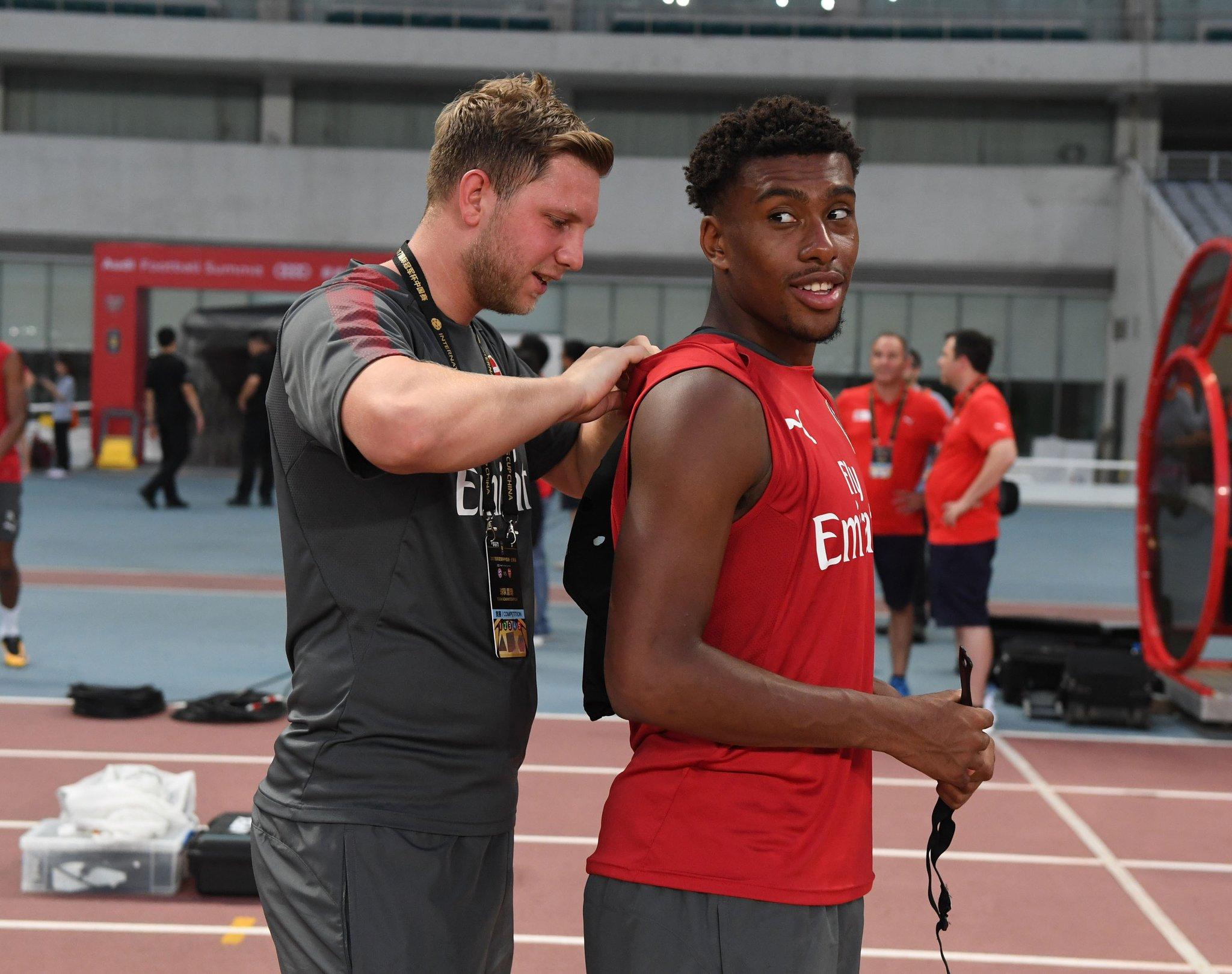'Dexterous' Iwobi Tipped To Shine For Arsenal Next Season