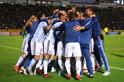 Messi Magic Inspires Argentina Into World Cup, Chile Out