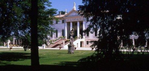 villa-corner-exterior