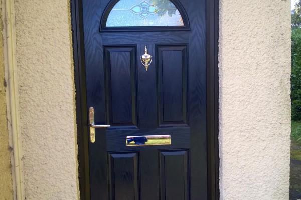 Black-4-Panel-1-Arch-Global-Composite-Door-9