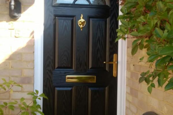 Black-4-Panel-1-Sunburst-Global-Composite-Door-6