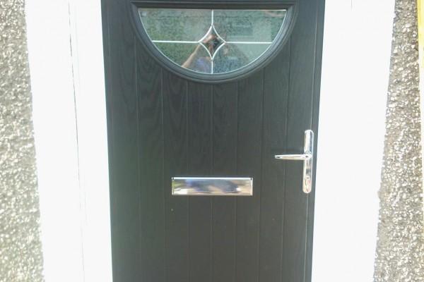 Black-Circle-Global-Composite-Door 2