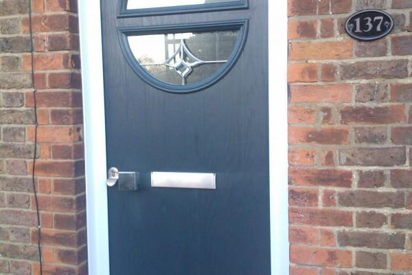 Black-Circle-Global-Composite-Door-4 2