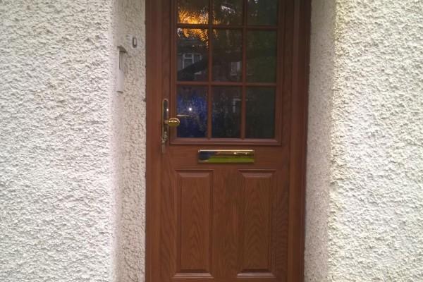 Light-Oak-2-Panel-1-Grill-Global-Composite-Door-2