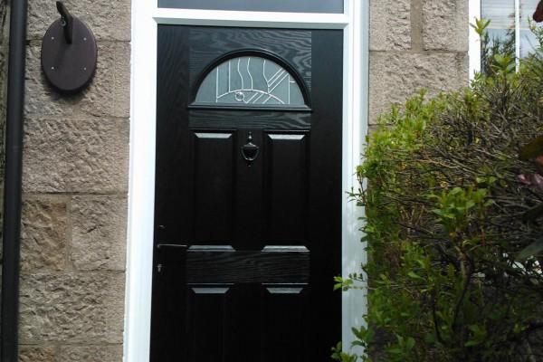 black-4-panel-1-arch-global-composite-door 2