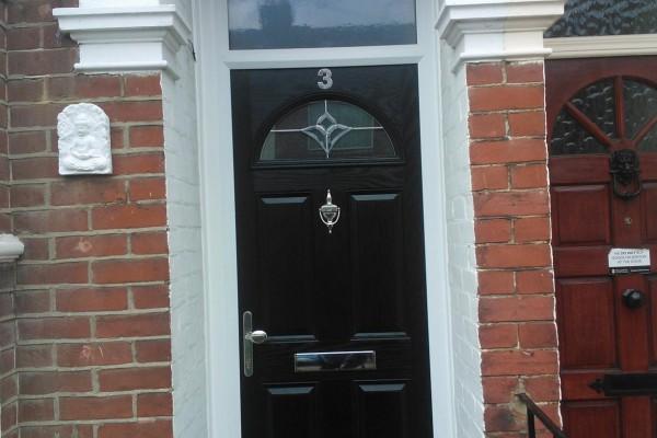 black-4-panel-1-arch-global-composite-door-top-box