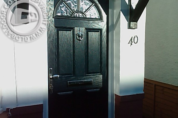 black-4-panel-1-sunburst-global-composite-door-4