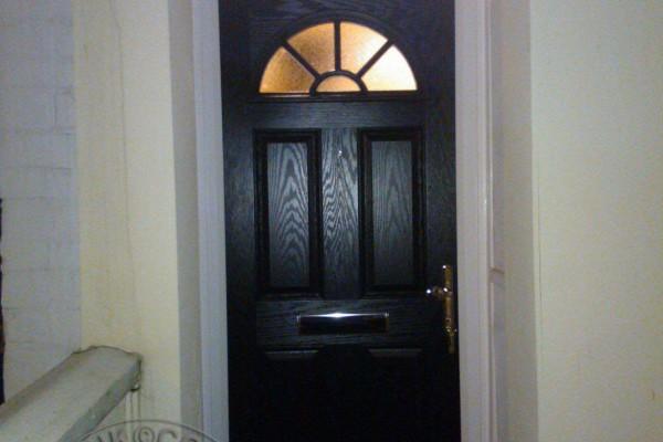 black-4-panel-1-sunburst-global-composite-door2