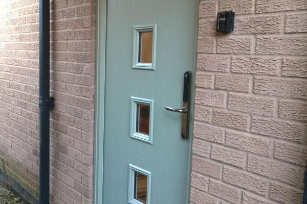 chartwell-green-4-square-Global-Composite-Door