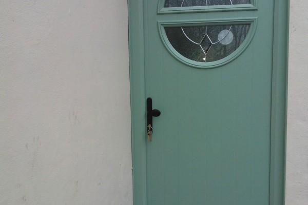chartwell-green-circle-Global-Composite-Door