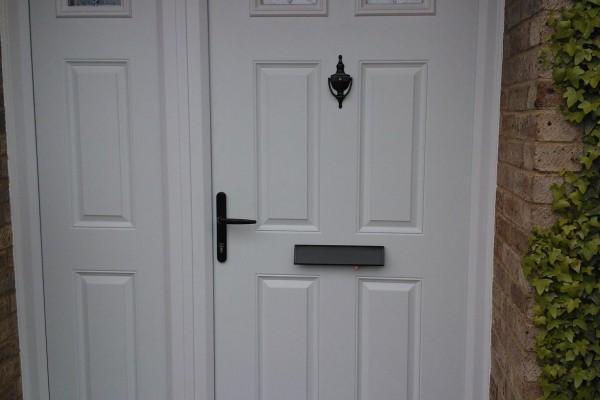 white-4-panel-2-square-global-composite-door 2