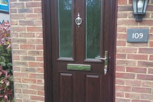 woodgrain-2-panel-2-sqaure-global-composite-door