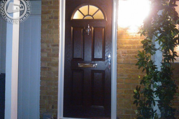 woodgrain-4-panel-1-sunburst-global-composite-door