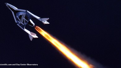 Photo of Virgin Galactic's SpaceShipTwo Breaks Sound Barrier in First Flight