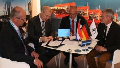 Photo of German & Dutch Organisations Sign Composite Development Agreement