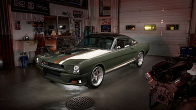 Photo of This 1965 Ford Mustang Gets the Carbon Fibre Treatment