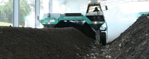 Funcionamiento de una máquina volteadora de compostaje