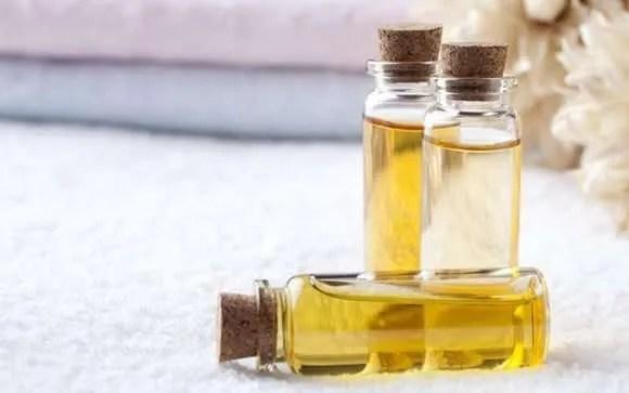 Aceites naturales, ¿cómo contribuyen a mejorar el estado de la piel y del cabello?