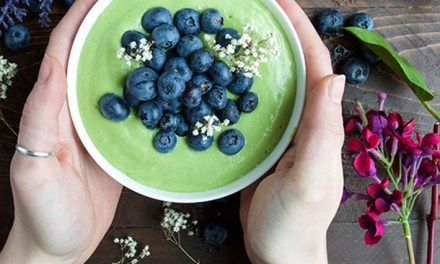 Bowl de smoothie verde con Kéfir