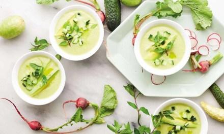 Sopa Fría de Aguacate, Pepino y Menta con Kéfir