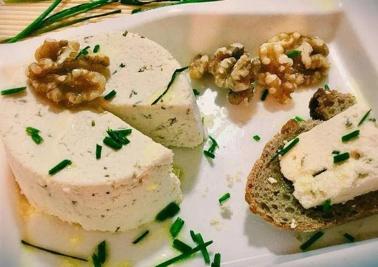 Receta de queso fresco casero con kéfir y especias
