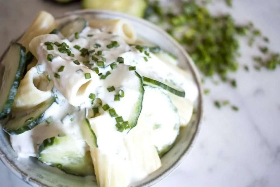 Ensalada de Pasta con Yogurt Natural y Kéfir de Leche