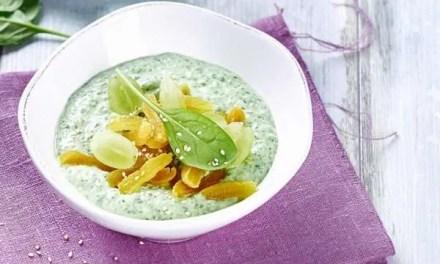 'Smoothie bowl' de espinacas y kéfir