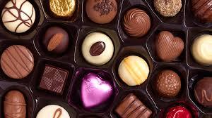 aula de chocolateria cursochocolatriaSimone Izumi Temperagem de chocolate