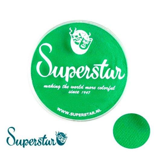 """Superstar es una pintura de cara suave y cremosa altamente pigmentada. Se mezclan fácilmente, se secan en 30 segundos sobre la piel y se secan hasta obtener una cobertura sin manchas.  Si quieres convertirte en un profesional, puedes obtener Superstar <span style=""""font-size: 80%;"""">Flash Green </span><span style=""""font-size: 80%;"""">en el contenedor de 45 gramos.</span>"""