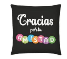 "<b>Cojín Amistad Gracias </b>  <b>""Little detail""</b>  <b>suave,cómodo y fresco</b>  <b>Tamaño 47 x 47 cm</b>  <b>PRECIO ESPECIAL A MAYORISTAS</b>  <b>mayoreo@comprastodo.com</b>  <b>SOMOS FABRICANTES</b> Cojín Amistad Gracias"