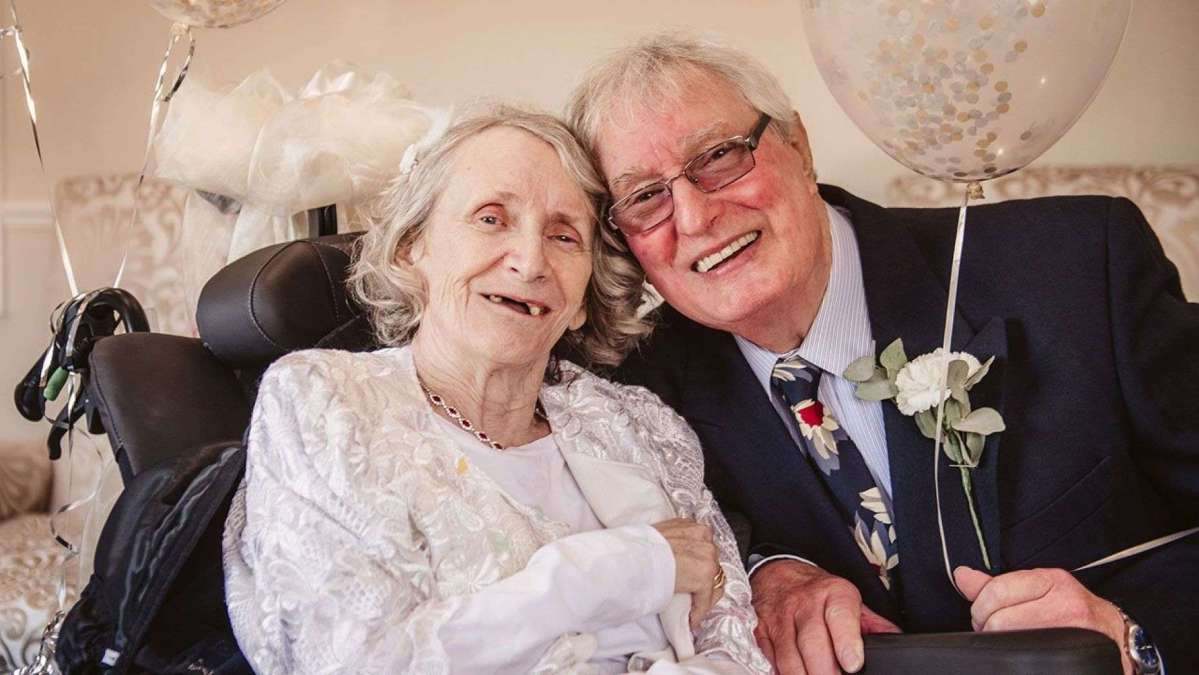 COUPLE MARRY AFTER 43 YEARS