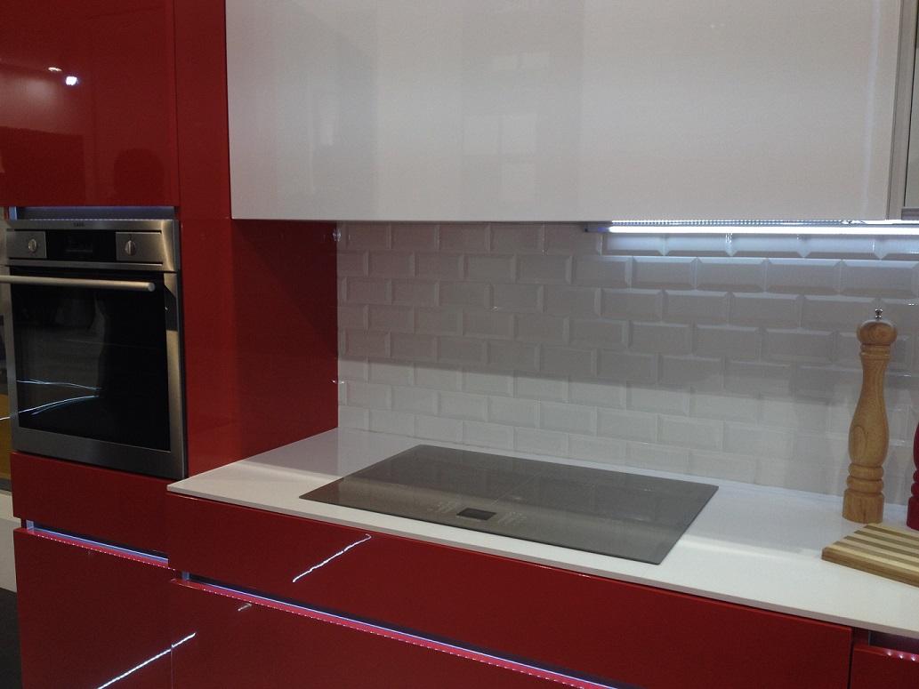 carrelage metro 7 5x15 haut de gamme rouge noir blanc carrelage 1e