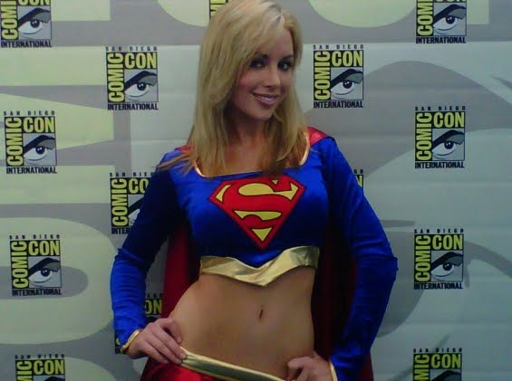 Otra mas de Kayden Kross como Super Girl SDCC10