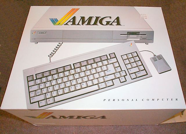 amiga 1000 in box