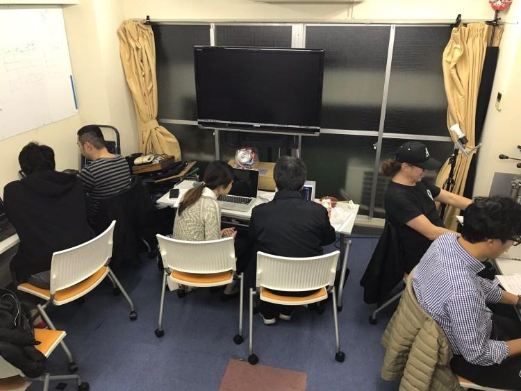 神保町マイツール教室でプログラミングする大人たち