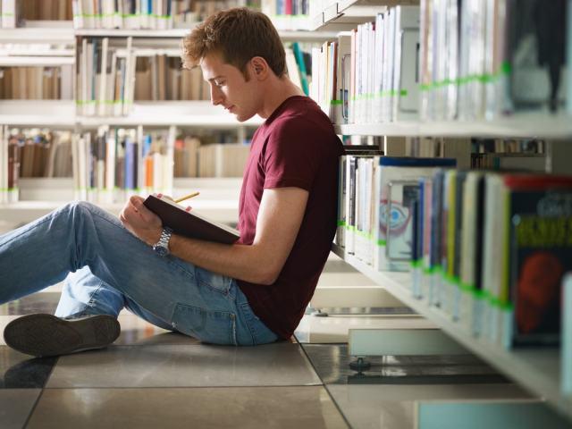 El futuro de la biblioteca se debe construir sobre el pasado y presente de la misma