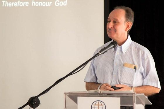 Retiro 2015 Pedro predicando
