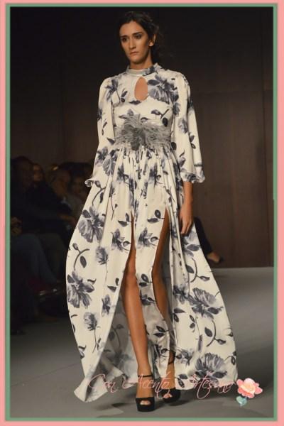 Vestido largo estampado con doble abertura de LaPaca Costura