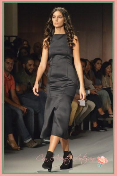 Vestido sin mangas de neopreno negro de Isaura Cordellat