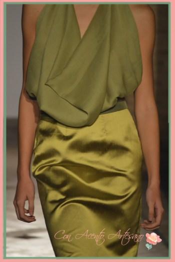 Escote de drapeado natural de Balbina Arias en Andalucia de Moda 2015