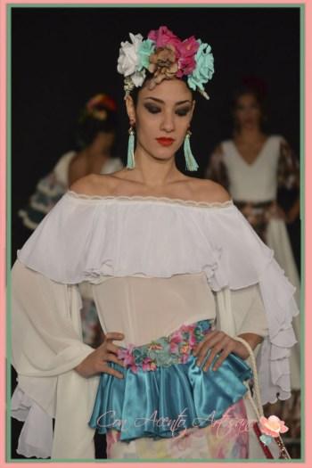 Detalles de traje de flamenca de uno de los diseñadores presentados en la presentacion finalistas III Certamen diseñadores noveles de moda flamenca We Love Flamenco 2016