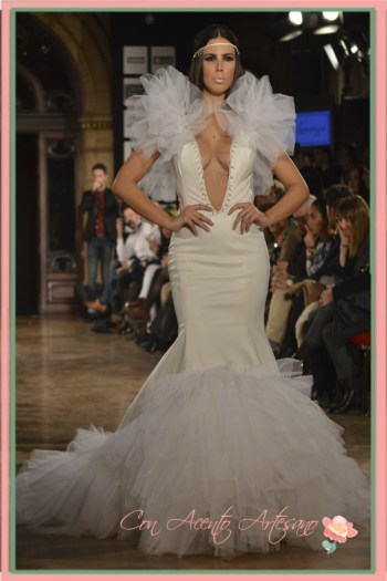 Vestido de novia con volantes en piel y tul de Leticia Lorenzo
